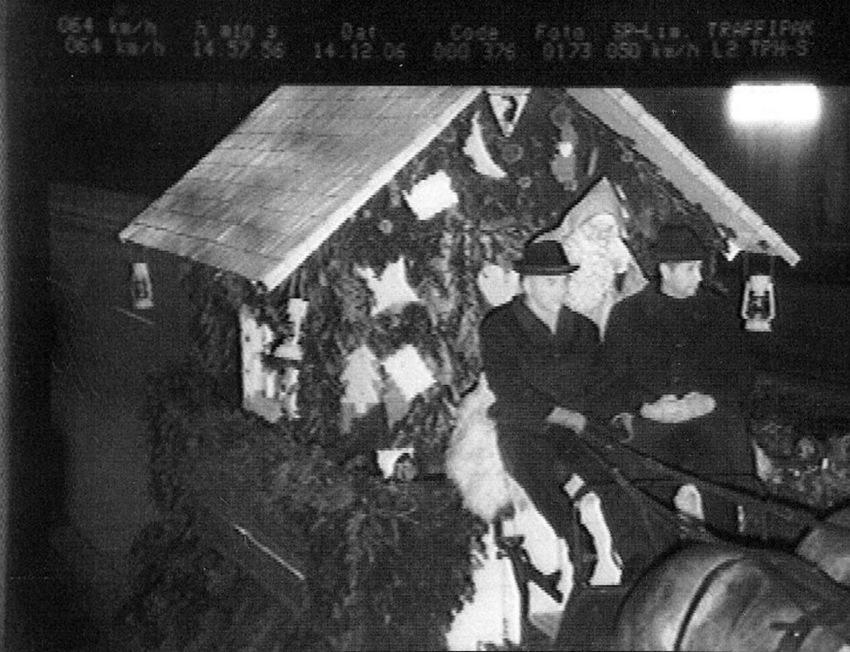 Weihnachtsmann in Freiburg geblitzt Blitzer-Foto
